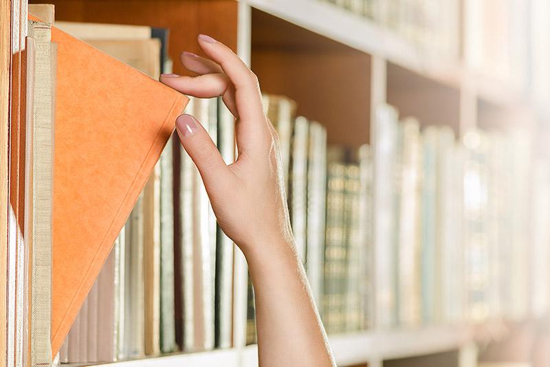Personal-Point sucht für Ihr Unternehmen aus dem vorhandenen Repertoire an Fallstudien die für Sie Geeignetste aus. Wir verfügen über ein ganzes Regal an Fallstudien, wir ziehen das für Sie passendste Buch heraus.